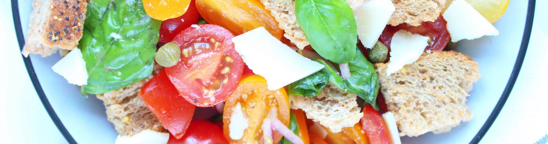 Salade   panzanella (Italiaanse broodsalade)