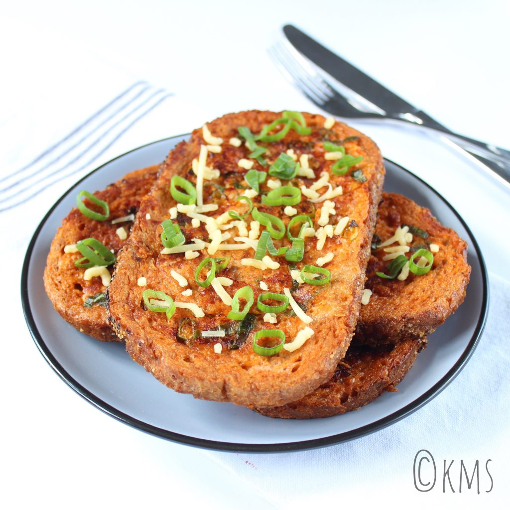Brood | hartige wentelteefjes met kaas, lente-ui en arrabbiata