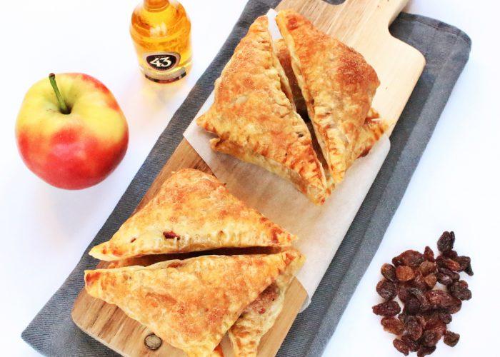 Zoete hapjes | appelflappen met Licor 43 rozijnen