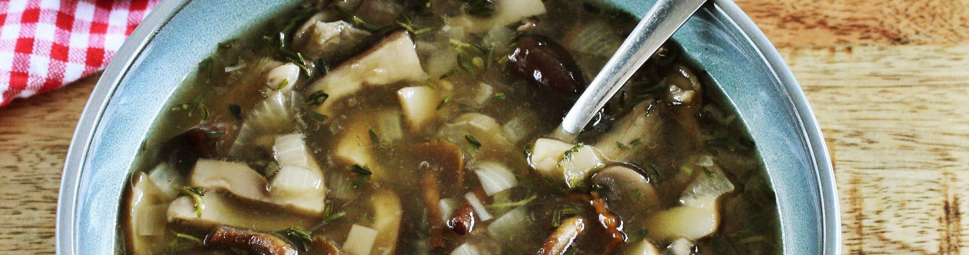 Soep | heldere paddenstoelen soep