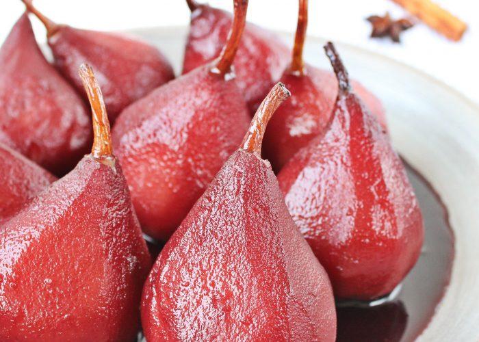 Zoete hapjes | stoofpeertjes in rode wijn