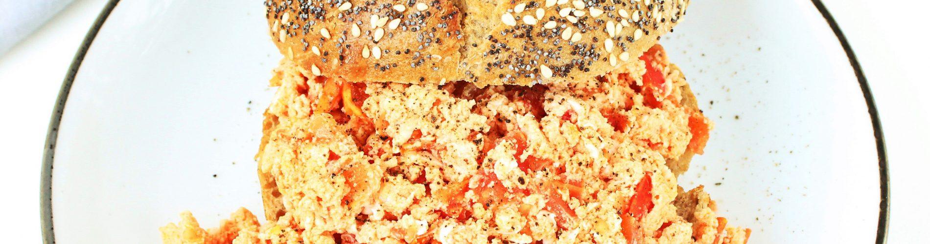 Ontbijt / lunch   roerei met tomaat