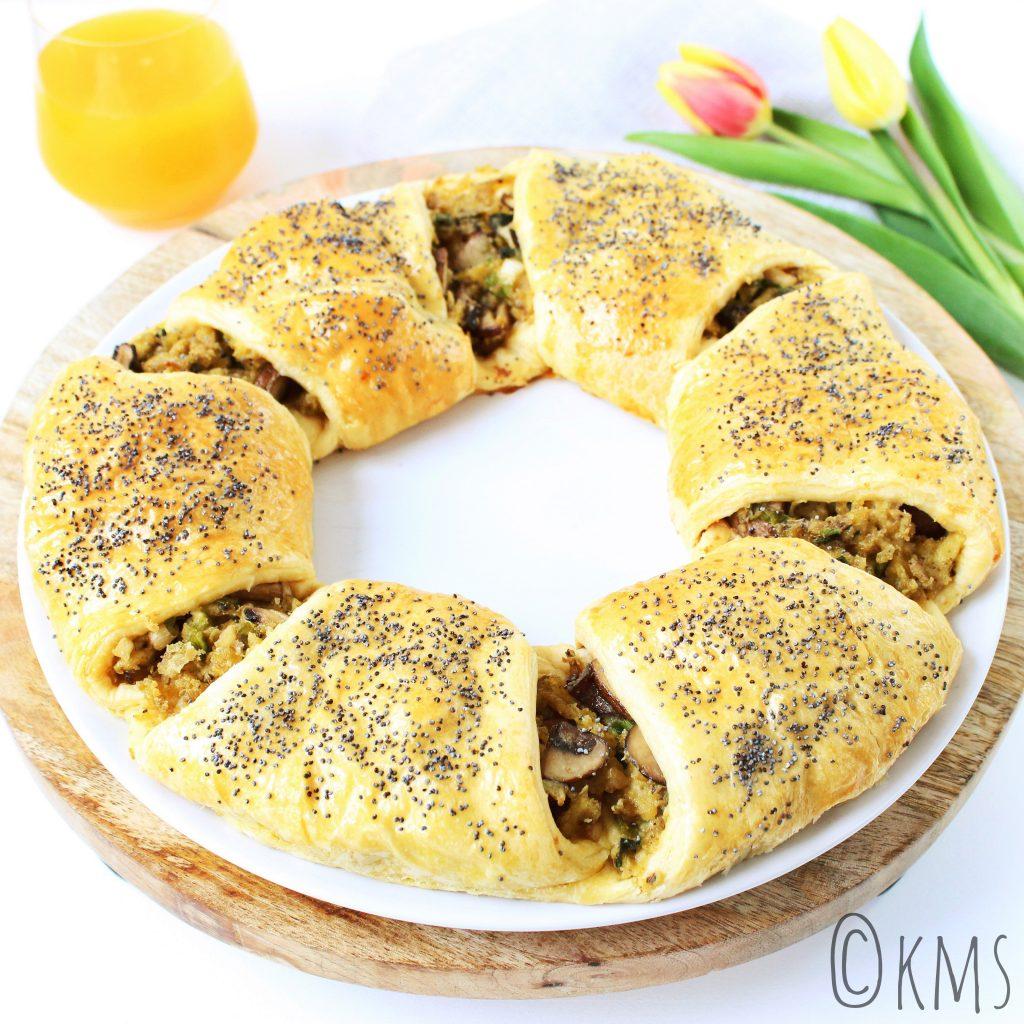 Croissantkrans met roerei