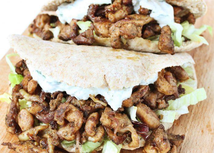 Pitabroodje met kipshoarma en tzatziki