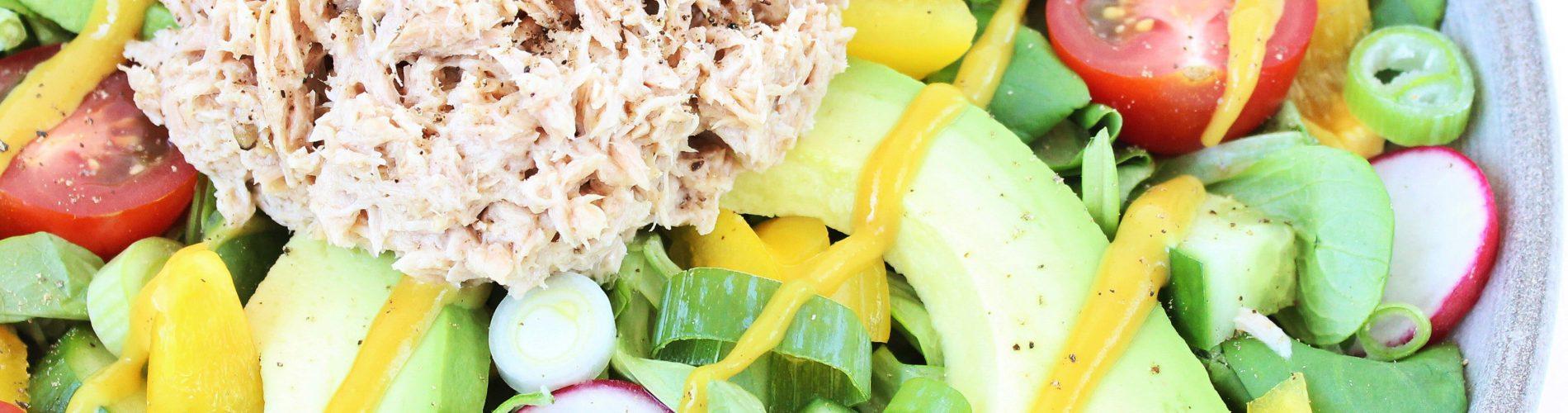 Salade met tonijn, radijs en veldsla