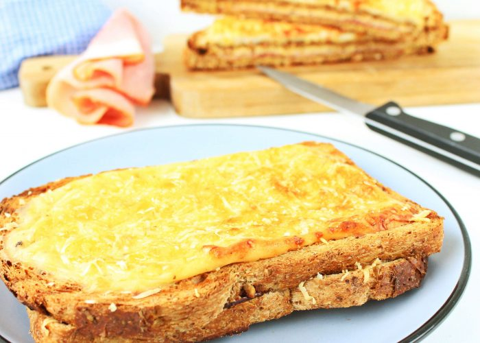 Croque monsieur - tosti met bechamelsaus