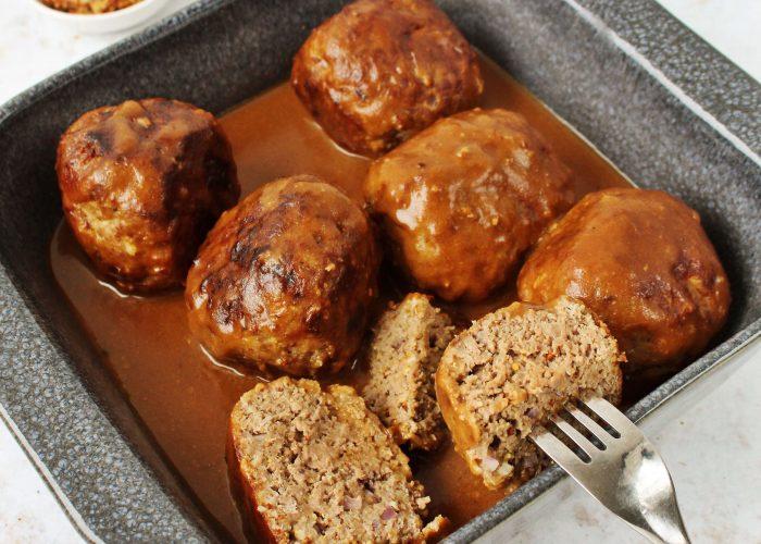 Gehaktballen met grove mosterd en jus