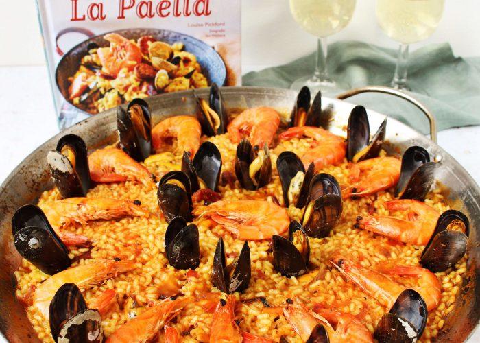 Paella met mosselen en chorizo